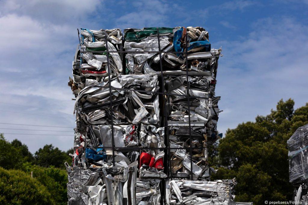 Aluminium Schrott gepresst zur Wiedervertung
